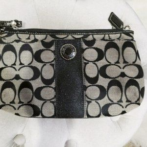 NEW BLACK AND GRAY COACH WRISTLET